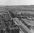 Bundesarchiv B 145 Bild-F025360-0005, Bonn, Blick vom Hochhaus im Tulpenfeld.jpg