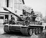 Bundesarchiv Bild 101I-299-1804-06, Frankreich, Panzer VI (Tiger I) in Ortschaft.3.jpg