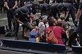 C052 Posados robados junto al Congreso.JPG