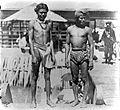 COLLECTIE TROPENMUSEUM Twee mannen uit Wahai Ceram TMnr 10005710.jpg