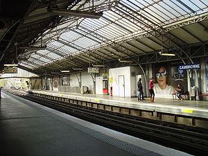 Cambronne (Paris Métro) - Image: Cambronne métro Q02