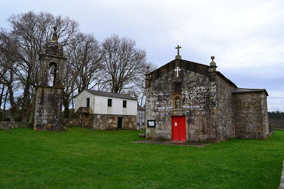Campanario e Igrexa de Berreo