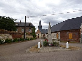 Th war memorial and church in Campremy