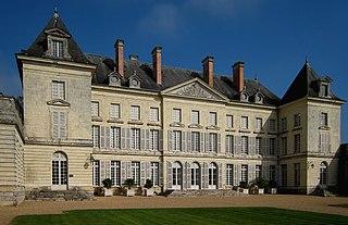 Château de Montgeoffroy castle