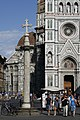 Cathedral and column in Florence (3867482247).jpg