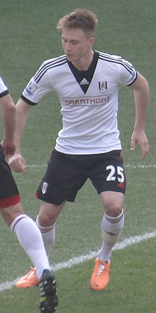 Cauley Woodrow vs Cardiff cropped 2014.jpg