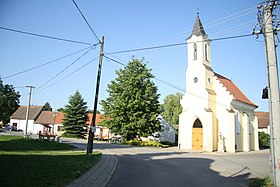 Center of Lhotice with chapel in Lhotice, Třebíč District.JPG