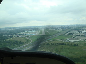 Buttonville Municipal Airport - Cessna 172 approaching runway 15 for a touch-and-go