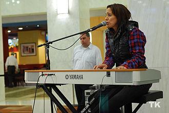 Chantal Kreviazuk - Kreviazuk performing at Busking for Change 2009
