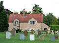 Churchyard and Old Forge Cottage, Ufton - geograph.org.uk - 1418586.jpg