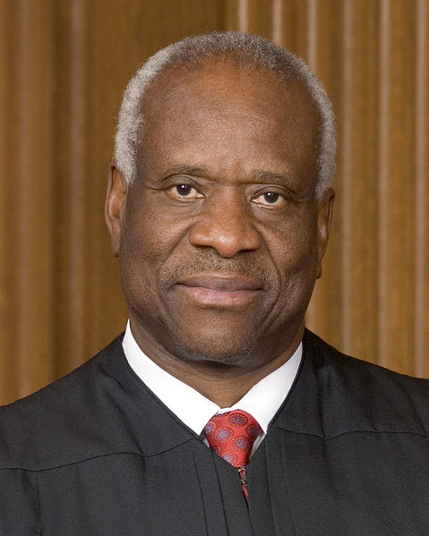 Bestand:Clarence Thomas, official SCOTUS portrait, crop.jpg
