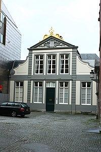 "Classicistisch breedhuis, huis ""De Caese"", jaartal 1767 - Hoogstraat 4 - Brugge - 29334.JPG"