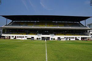 Colombo Racecourse - Image: Colombo Racecourse grandstand 03