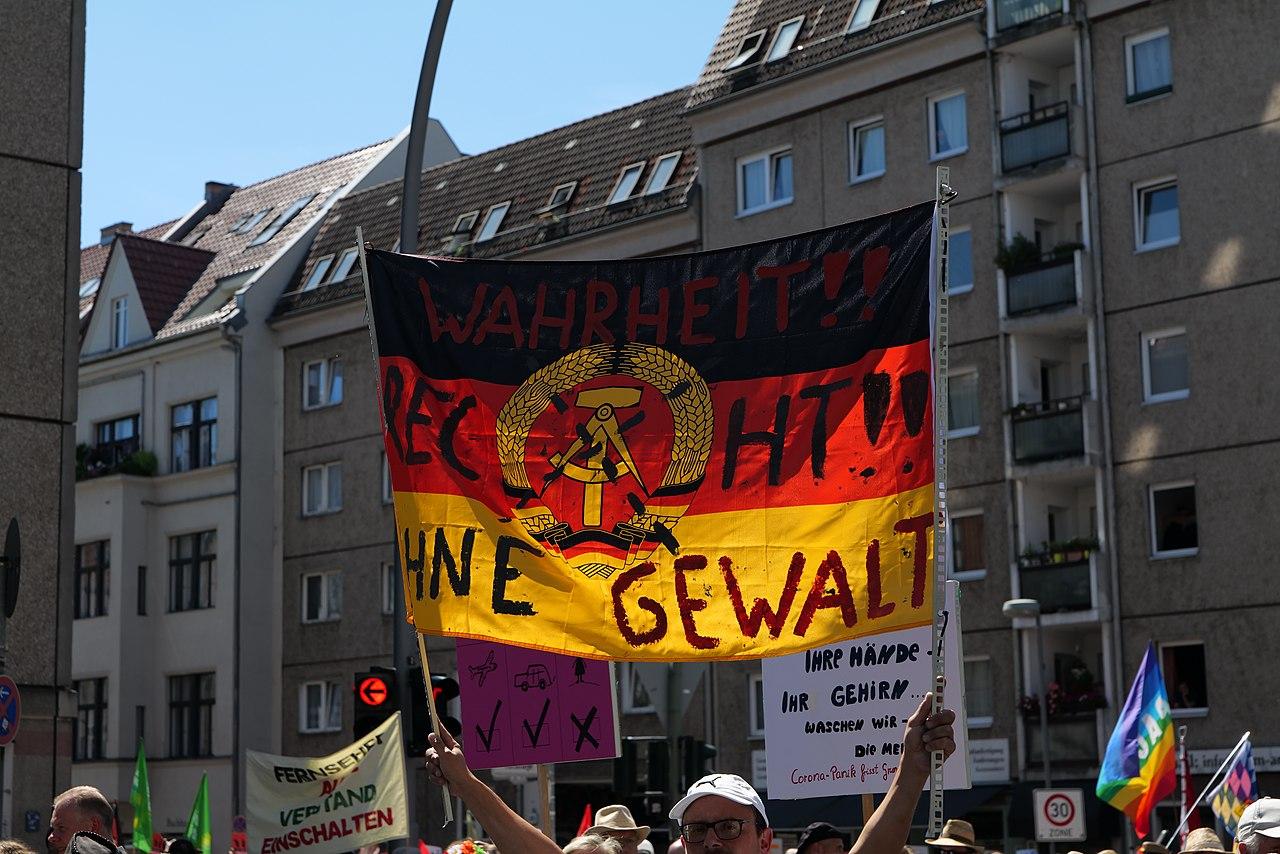 Conspiracy theorist protest Berlin 2020-08-01 91.jpg