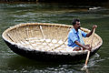 Coracle at Hogenakkel TN.jpg