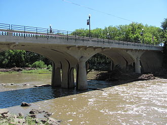 Cottonwood Falls, Kansas - 1914 bridge over Cottonwood River in Cottonwood Falls (2012)