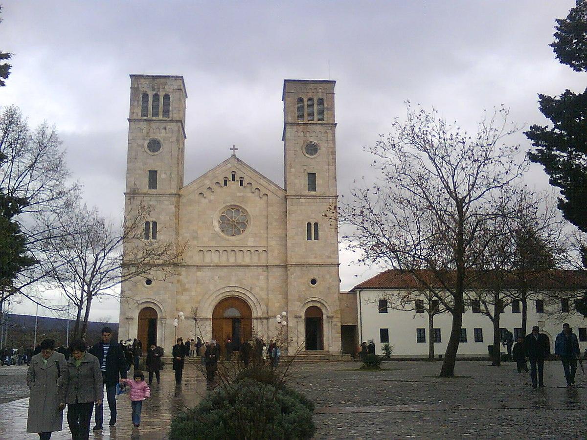 Slikovni rezultat za katolička crkva ŠIROKI BRIJEG