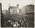 Crowds waiting to see the Liberty Bell, Seattle, July 14, 1915 (MOHAI 9542).jpg