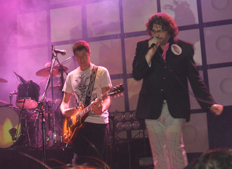 El Cuarteto de Nos - The group performing live a song from their Raro album.