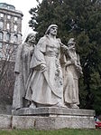 Dózsa Memorial. South group, side. - Dózsa Square, Budapest.JPG