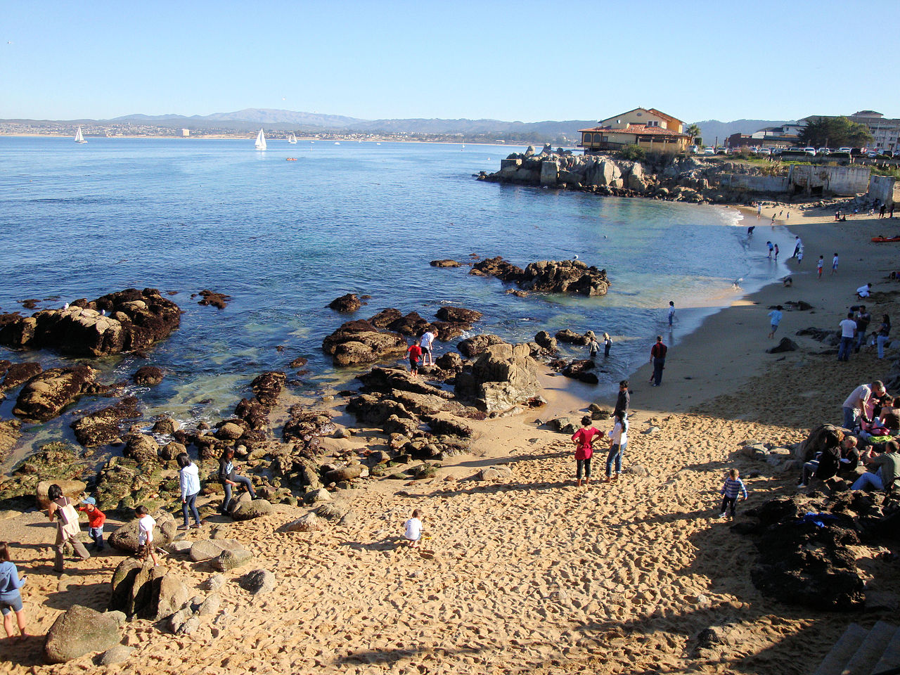 Monterey Bay Best Place To Drink With Tourists