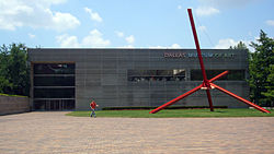 Mark di Suvero, Ave, Dallas Museum of Art, Sculpture Garden