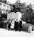 Deák tér, 76-os gyalogezred emlékműve. Fortepan 8360.jpg