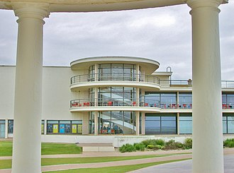 Bexhill-on-Sea - De La Warr Pavilion from promenade