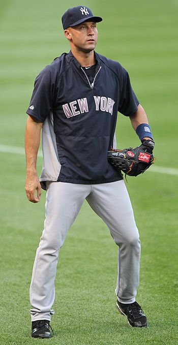 Derek Jeter participates in pregame warmups be...