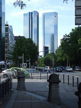Deutsche Bank Twin Towers - Image: Deutsche bank ffm 002