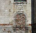 Diéval porte latérale de l église.jpg