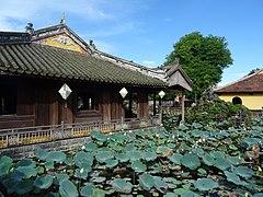 Diên Thọ palace 03.jpg