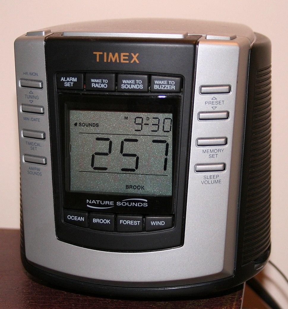 Digital-clock-radio-premium