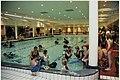 Duikdemonstratie t.g.v. de opening van Aqua Romana, een bad in Romeinse stijl bij het Gran Dorado bungalowpark. NL-HlmNHA 54037051.JPG