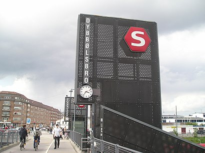 How to get to Dybbølsbro St. with public transit - About the place
