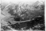 ETH-BIB-Oberiberg, Roggenstock, Biet, Glärnisch v. W. aus 3000 m-Inlandflüge-LBS MH01-002386.tif