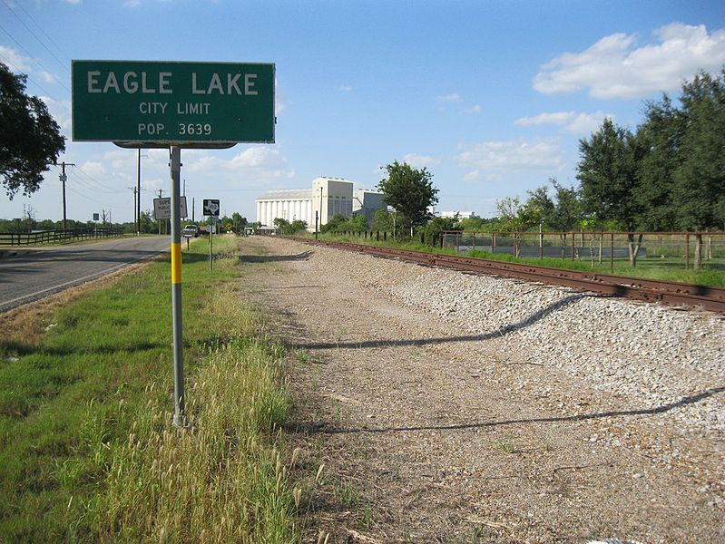File:Eagle Lake TX Sign.JPG