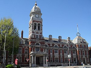 Eastbourne Borough Council - Image: Eastbourne Town Hall, Grove Road, Eastbourne (NHLE Code 1043621) (May 2010)