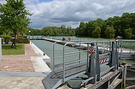 The lock on the Marne