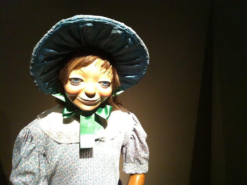 File:El Paral·lel 1894-1939- exhibit at CCCB in Barcelona (41)Caps de ninos utilitzats en ventrilòquia.JPG