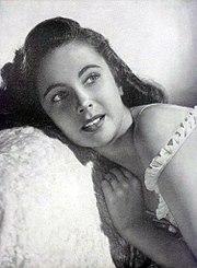 Elizabeth Taylor Argentinean Magazine AD.jpg