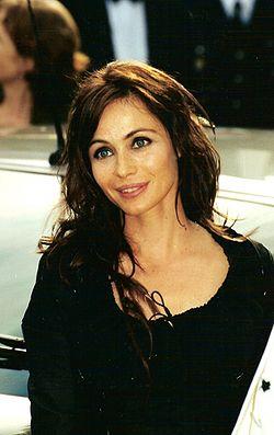 Emmanuelle Béart 2000.jpg