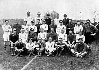 1912–13 South Africa rugby union tour of Europe - The England and South Africa teams for their Test match at Twickenham.