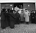 Ensimmäinen maailmansota.Lääketarpeiden ym. kuljetusta sotaan - N2161 (hkm.HKMS000005-000001kh).jpg