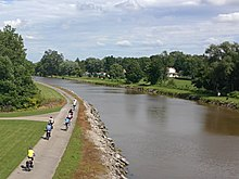 Erie canal cyclists.jpg