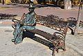 Estàtua de l'enginyer Francisco Mira i Botella i banc, Guardamar del Segura.JPG