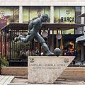 Estatua de Ladislao Kubala Stecz. Exteriores do Camp Nou. Barcelona B33.jpg