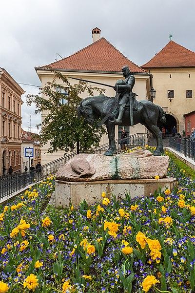 File:Estatua de San Jorge mató al Dragón, Zagreb, Croacia, 2014-04-20, DD 01.JPG