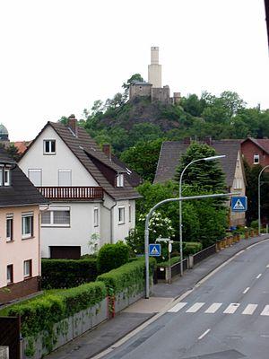 Felsberg, Hesse - The Felsburg above Felsberg, with its soaring white tower