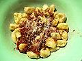 Flickr - cyclonebill - Laksetortellini med tomat- og hvidvinssauce.jpg